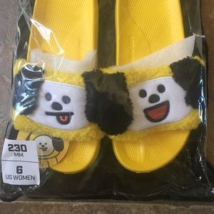 5da64dff6200 Shoes - Official BTS BT21 CHIMMY Slippers